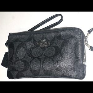 Coach Double Corner Zip Wristlet Black and Grey
